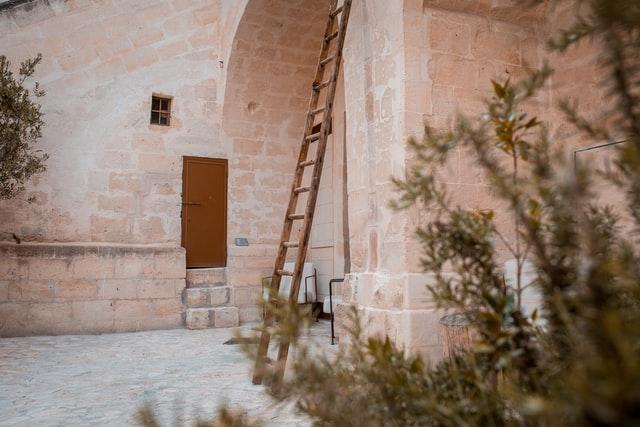 Hoe u elke soort trap veilig kunt gebruiken